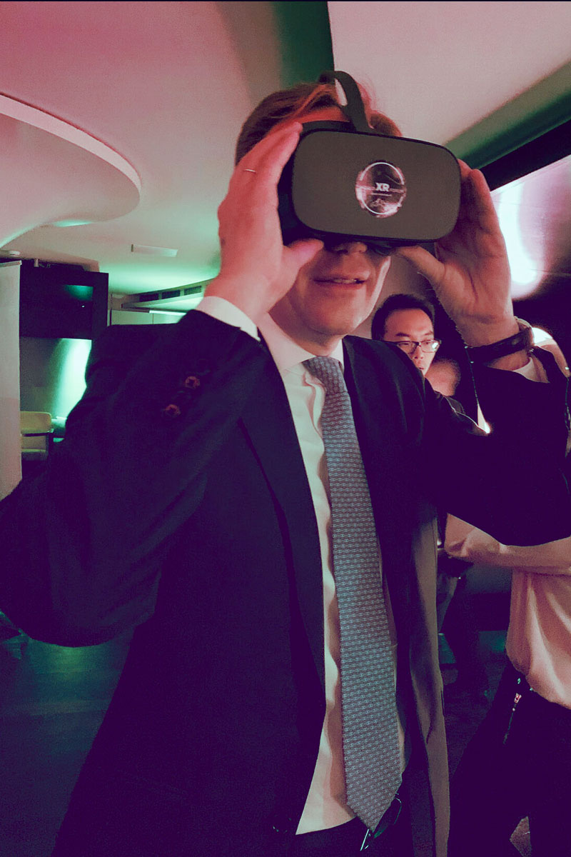 World XR at China Club, organized by the Sino-Swiss Chamber of Commerce - Glasses test